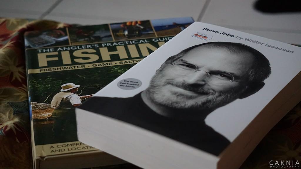 Biografi Steve Jobs dan Buku Memancing