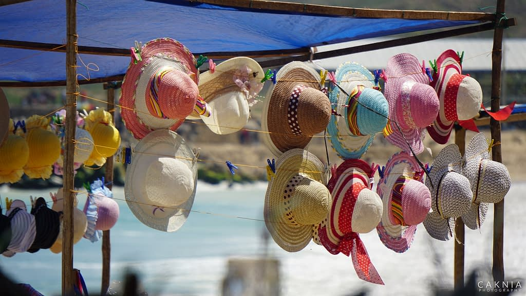 Souvenir Topi Pantai