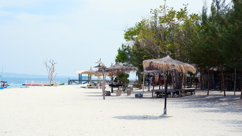 Pantai di Gili Labak