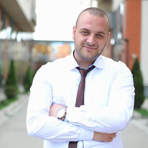 business-man-1385050_600.jpg