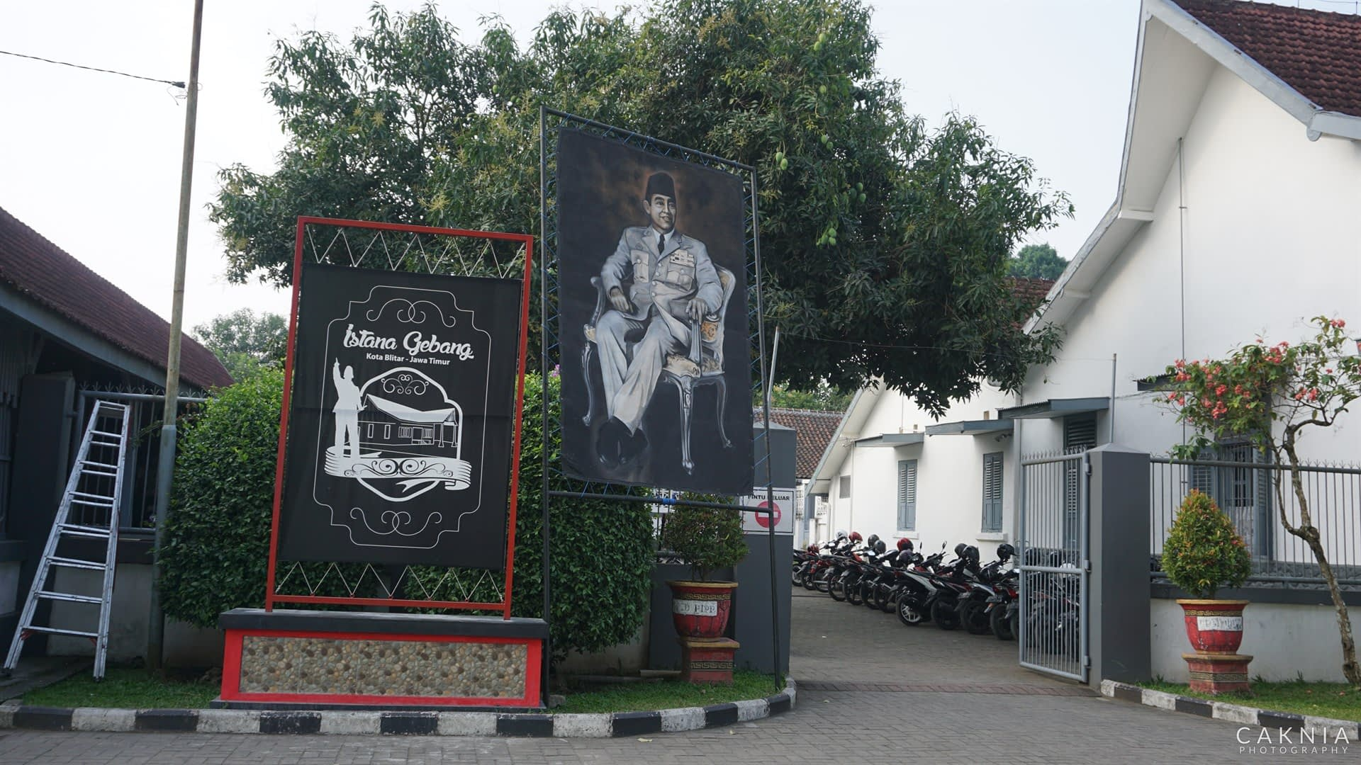 Gerbang Istana Gebang